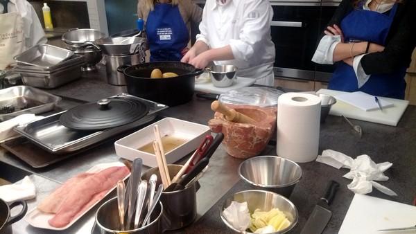 Un Cours De Cuisine Autour Du Poisson à Lécole Ducasse - Cours de cuisine ducasse