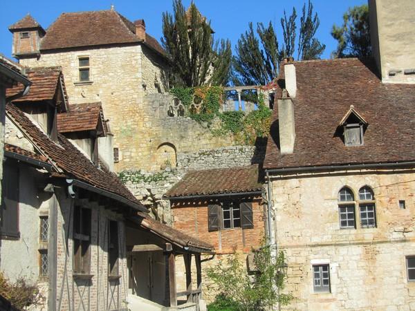 village-medieval-Lot