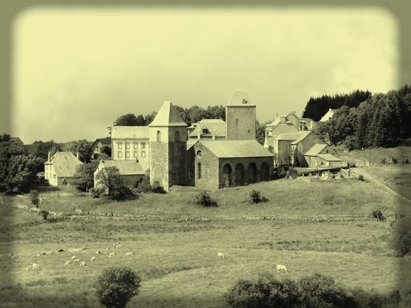 aubrac-village-aveyron