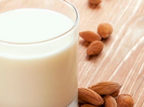 lait-amandes-maison