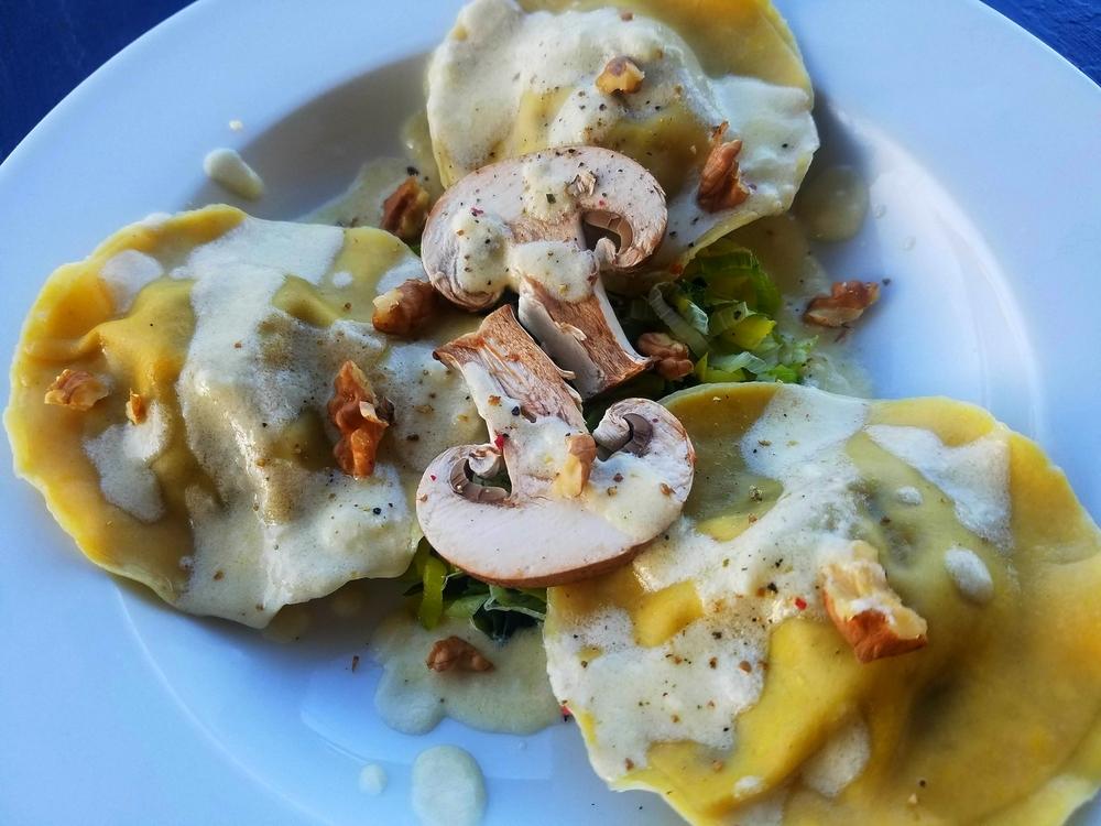Ravioles champignons noix crème d'ail vieux rodez
