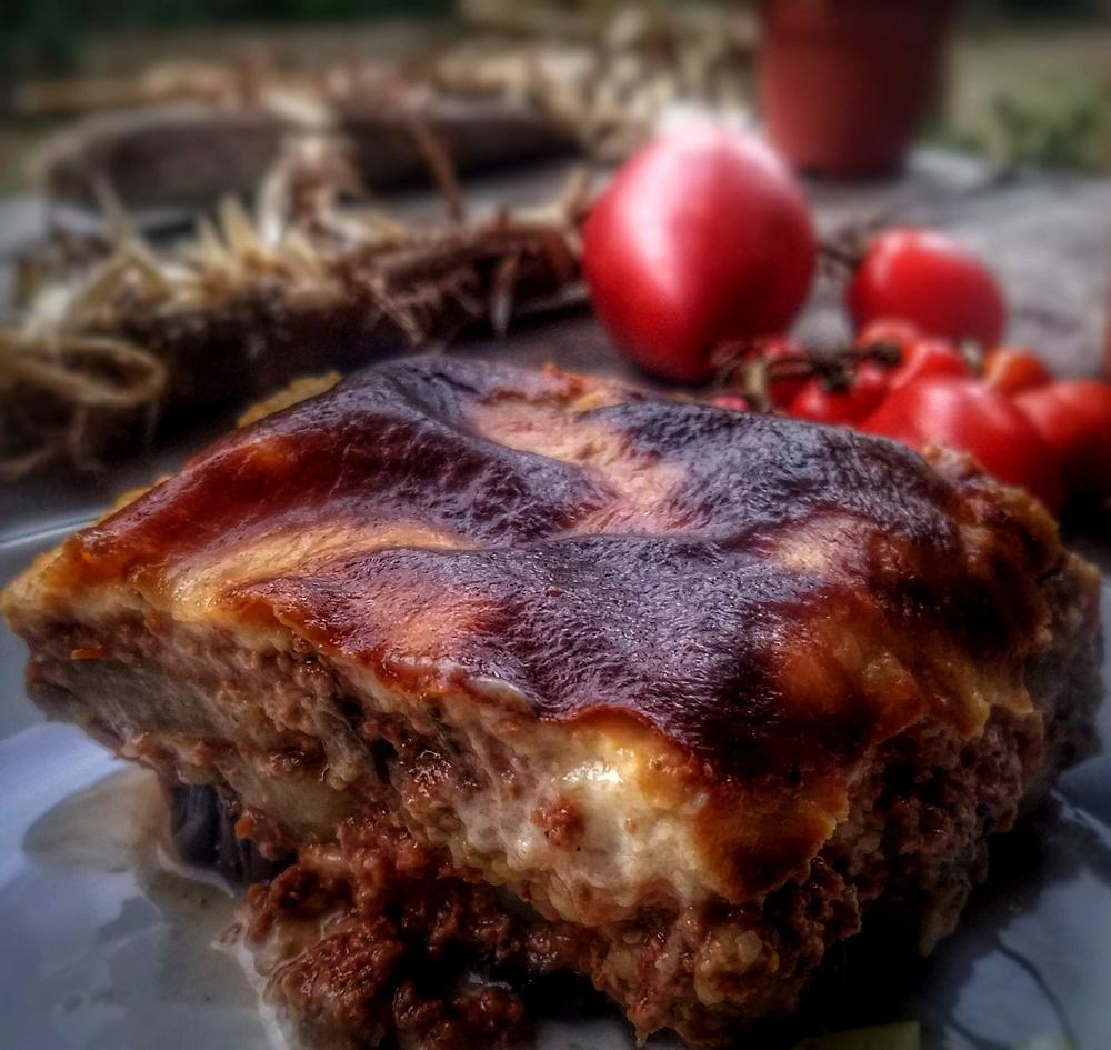Moussaka traditionnelle pommes de terre aubergines cannelle