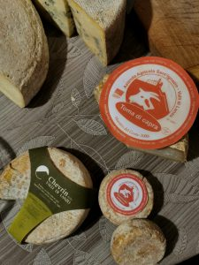 Fromages tomes du Piémont, Italie
