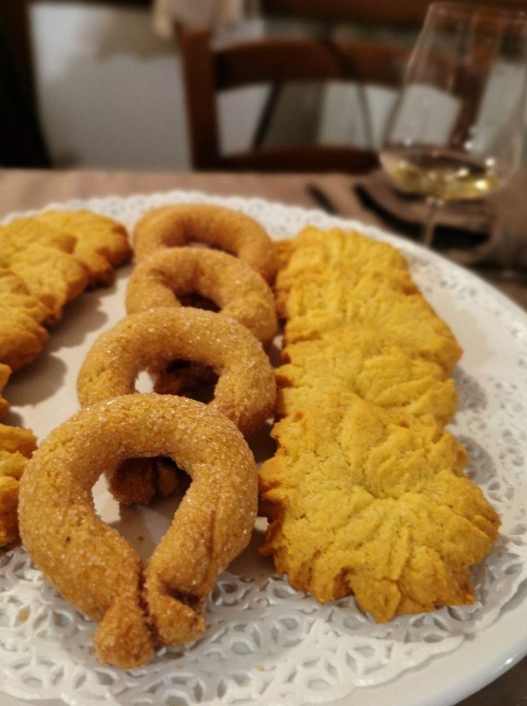 Torcetti, biscuits du Piémont, Italie